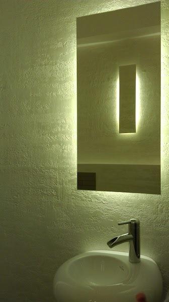 oglinda de baie tretroiluminat